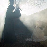 Равновесие между добром и злом. :: Алиша Б