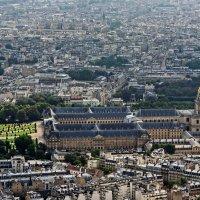...и, вот, плевал я с Эйфелевой башни на головы беспечных парижан :: Павел Сущёнок