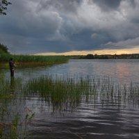 Вечерняя рыбалка :: Валерий Талашов