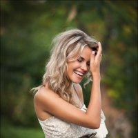 Смех без причины – признак того, что вы или идиот, или хорошенькая девушка :) :: Алексей Латыш