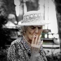 Курильщица. :: Игорь