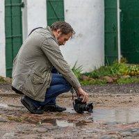За работой и дождь не помеха. :: Виктор Грузнов