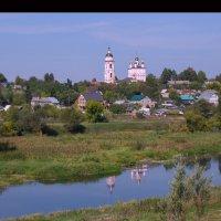 Вид с холма. г. Боровск.  Храм Бориса и Глеба :: Эльмира Суворова