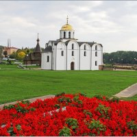 Благовещенская Церковь.1120-30гг.вост.1998г. :: Роланд Дубровский