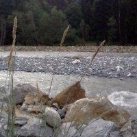 Бурлит и пенится река. :: Серж Поветкин