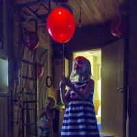 Красный шар :: Алексей Окунеев