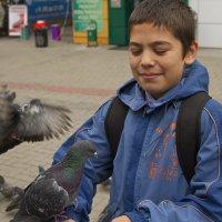 Кормящие голубей_2 :: АлеКсей Балашовъ