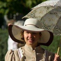 Дама с зонтом :: Lev Serdiukov