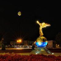 Ночью в городке :: Анатолий Тимофеев