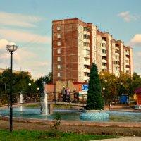 Пруд с фонтанами в новом парке :: galina tihonova