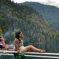 На озере Рица :: Владимир Болдырев