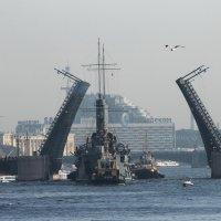 Проходя Дворцовый мост :: Вера Моисеева