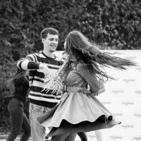 Ах эти танцы, танцы, танцы... :: Владимир Клещёв