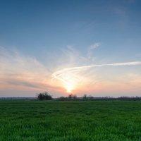 Закат на полях Кубани :: Николай Сороколатов