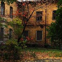 За фасадом... :: Юрий Морозов