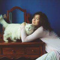 Сабина с кошкой :: Ирина Лепнёва