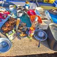 Скромный ужин сплавщиков :: val-isaew2010 Валерий Исаев