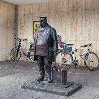 Памятник грузчику :: Valery Penkin