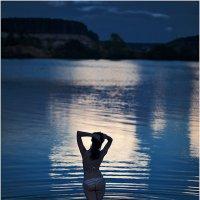Купание в летнюю ночь :: Ренат Менаждинов