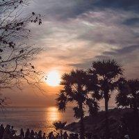 Тайцы провожают уходящий день :: Ксения Базарова