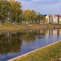 Озеро в парке :: Любовь Потеряхина