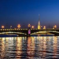 Глядя на Троицкий мост :: Константин Бобинский