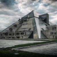 Пирамида в Казани :: сергей агаев