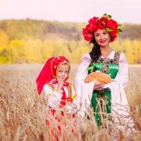 В поле :: Елена Инютина