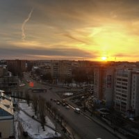 Закат в городе. :: Александр Иванов