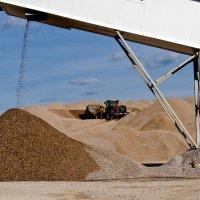 Разработка песчано-гравийного месторождения :: Ирина Шарапова