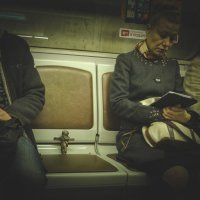 Тобби в метро :: Виктор Пушкин