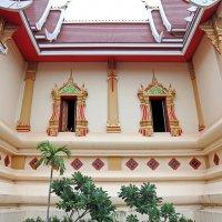 Лаос. Вьентьян. Новый храм (фрагмент) :: Владимир Шибинский