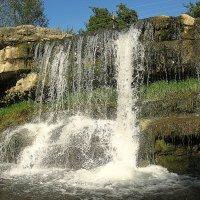 Лермонтовский водопад в Кисловодске :: Elena Izotova