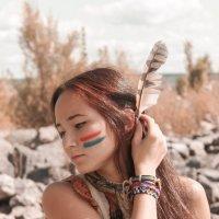 Соколиное перо :: Лилия Лисова*