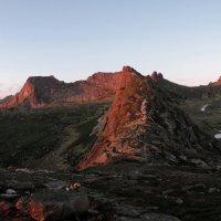 Вечерняя панорама Спящего Саяна :: Сергей Карцев