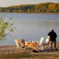 Пикник на берегу. :: Ирина Нафаня