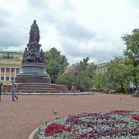Прогулка по Невскому проспекту. Екатерининский сквер :: alemigun