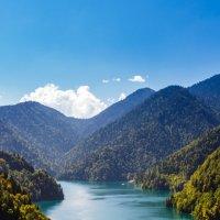 Озеро Рица - Жемчужина Абхазии :: Андрей Гриничев