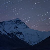 Эверест под треками звёзд. :: Ирина Токарева