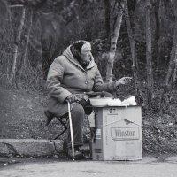 Виктор Сатановский - Бизнесвумен нервно курит