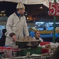 если Мустафа по 5 дирхам, то по чем же улитки? :: Petr Popov