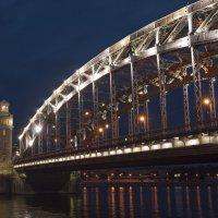 мост императора петра великого, санкт-петербург :: роман фарберов