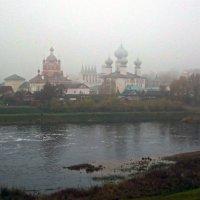 монастырь в тумане :: Сергей Кочнев