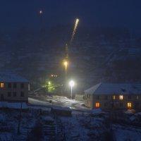 Вечерняя улица, первый снежок. :: Елена Лобанова