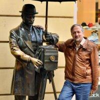Автопортрет со старым фотографом :: Вячеслав Губочкин