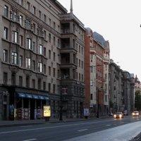 Утро. Каменоостровский проспект. :: Владимир Гилясев