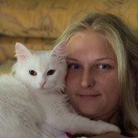 Жена и кошка :: Денис Ткаченко