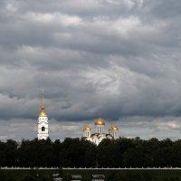 Вид на Успенский собор :: Наталья Гусева