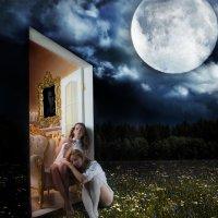 Эта белая, белая дверь... :: Сергей Великанов