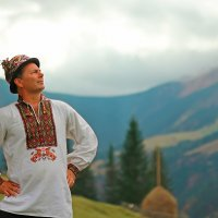 Американский гуцул Рони любуется видом Карпат :: ViP_ Photographer